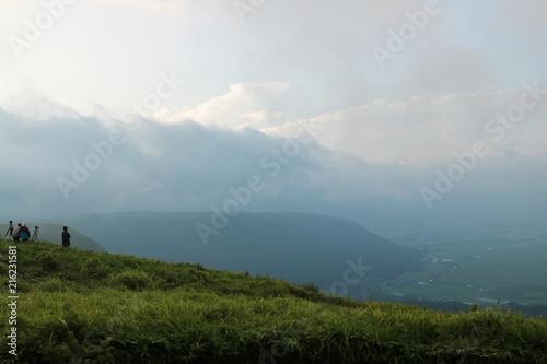 Cadres-photo bureau Colline 朝霧に包まれる早朝の阿蘇