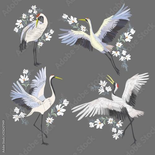 Naklejki żurawie  embroidery-with-crane-bird-fashion-decoration