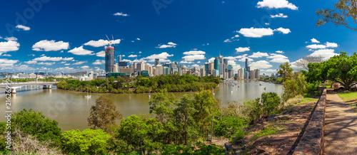Fotobehang Oceanië Brisbane, AUS - 18 NOV 2015: Panoramic view from Kangaroo point overlooking Brisbane City and river