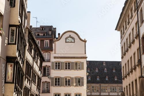 Papiers peints Con. Antique Vue de bâtiments anciens en ville