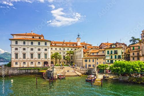 Deurstickers Oude gebouw Stresa, Italy: Isola Superiori dei Pescatori island, Lombardy.