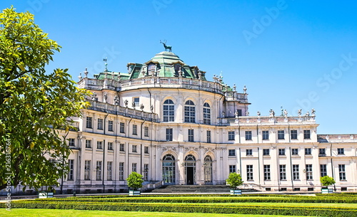 Foto  Stupinigi building, hunting palace, historical residence of the Savoy family, Tu