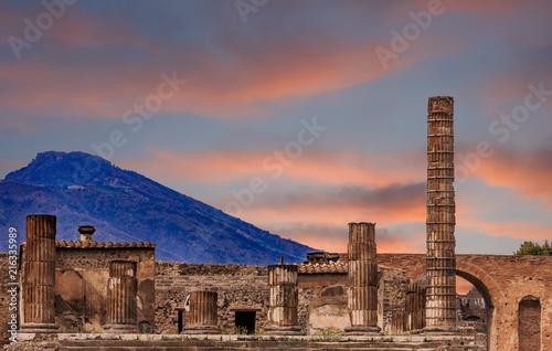 Fotografie, Obraz  Pompeii and Vesuvius at Dusk