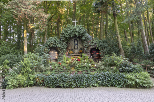 Photo  famous grot of virgin mary  in sankt wendel