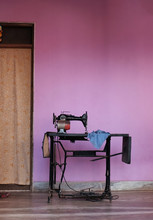 Sewing Machine And Table In Fr...