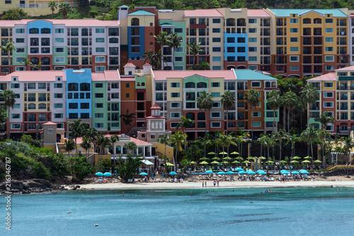 Foto op Aluminium Oceanië Colorful Hotel on Beach