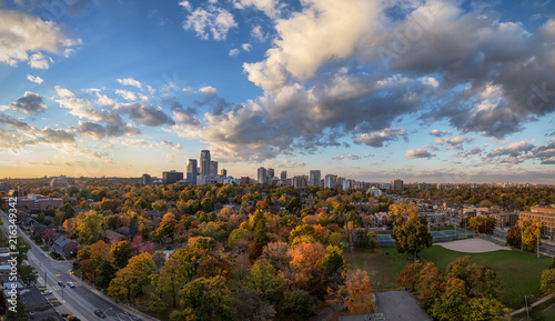 Tuinposter Toronto Midtown Toronto Panorama in Autumn