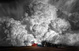 Inspiruje grzybowe chmury - 216354383
