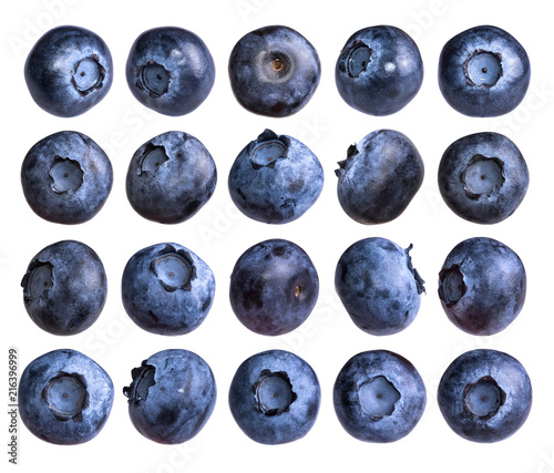 Fotografia Big set of fresh blueberry isolated on white background.