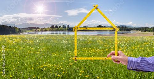Photo Wohnen im Grünen mit Haus auf dem Land