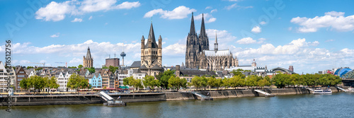 Fotomural  Köln Skyline Panorama im Sommer