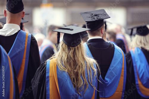 Cuadros en Lienzo University graduates at graduation  ceremony