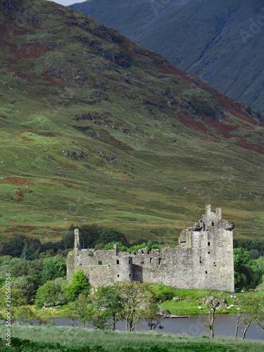 Foto op Aluminium Rudnes ruins of a Highland Castle, Scotland