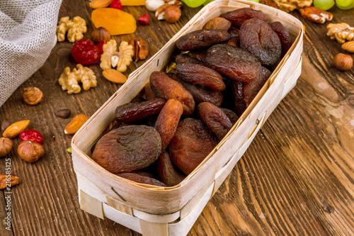 Photo dark dried apricots
