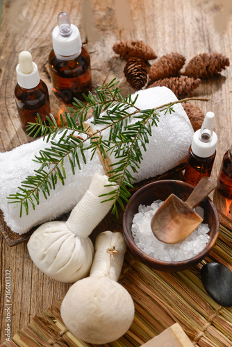 Tuinposter Spa Spa treatment with Christmas decorations -mat and old wooden background