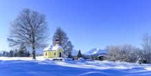 Einsame Kapelle Im Winterlich Verschneiten Werdenfelser Land