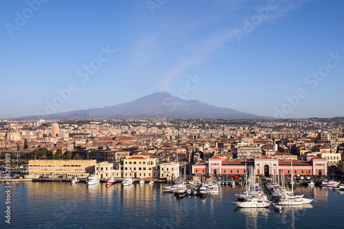 Carta da parati View of Port of Catania with the Etna Vulcan from cruise liner,Sicily