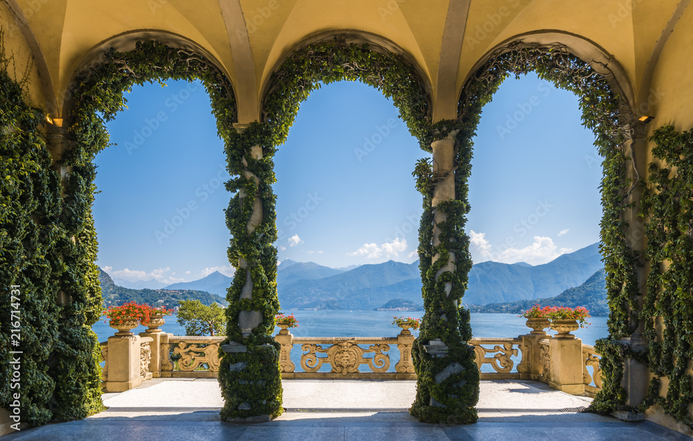 Fototapety, obrazy: Scenic balcony overlooking Lake Como in the famous Villa del Balbianello, in the comune of Lenno. Lombardy, Italy.