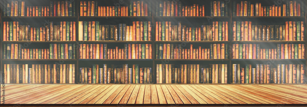 Fotografía panorama blurred bookshelf Many old books in a book shop or library