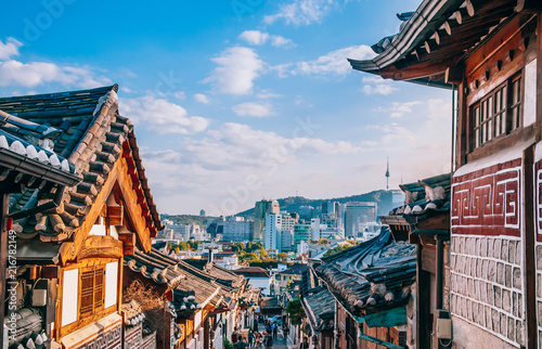 Poster Seoul Bukchon Hanok Village, old traditional Korean house with tourist