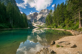 Fototapeta Natura - Veduta dello splendido lago di Braies in Alto Adige, Italia