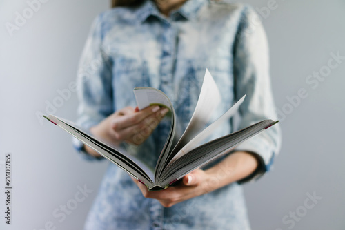 Fototapeta Girl with a book obraz