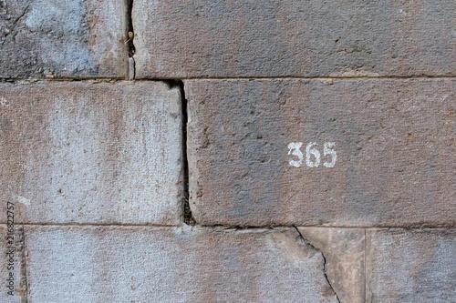 Fényképezés  Wall with number 365