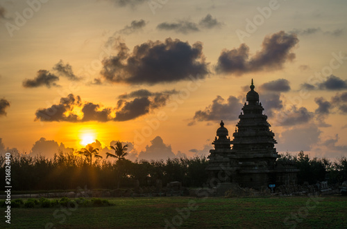 Vászonkép Photo shot on sunrise time where the historical buildings of Mamallapuram monuments are highlighted