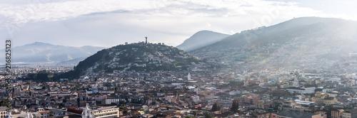 In de dag Zuid-Amerika land Panorama de Quito, Équateur