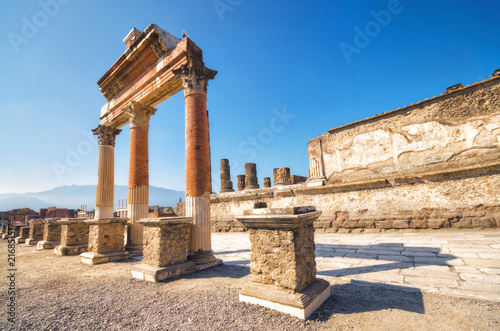 Ruins of the ancient roman city of Pompeii, which was destroyed by volcano, Moun Fototapeta