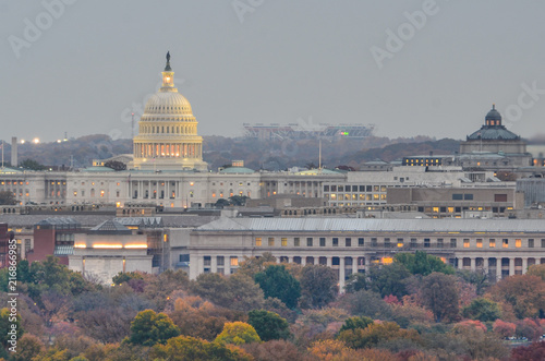 Fotobehang Amerikaanse Plekken United States Capitol Building in autumn - Washington DC United States of America