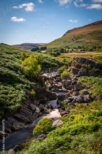 Staande foto Zwart Elan valley reservoirs in a dry and very hot summer time in the welsh countryside