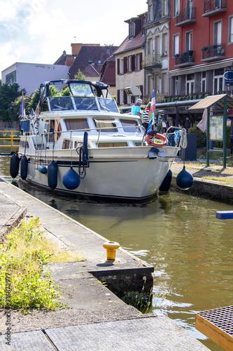 Saverne. Tourisme fluvial sur le canal de la Marne au Rhin. Bas Rhin. Grand Est