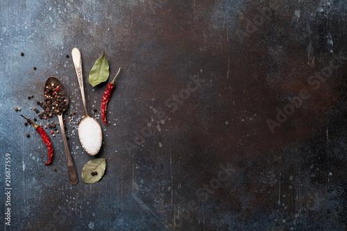 Fotobehang Aromatische Spices in spoons