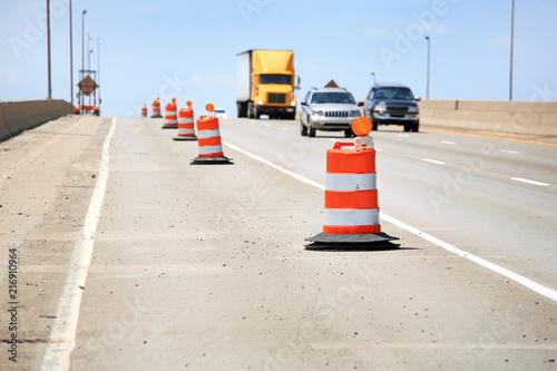 Orange barrels along the highway during construction Fototapet