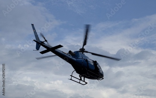 Tuinposter Helicopter Helicóptero ambulancia