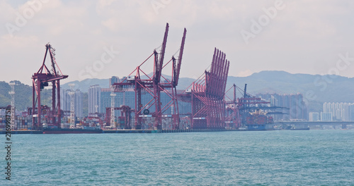 Foto op Plexiglas Poort Hong Kong Container terminal port and stonecutter bridge