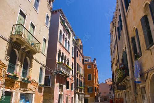 Fototapety, obrazy: Architecture of narrow street of Venice, Italy