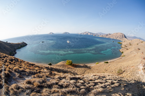 Staande foto Eiland Vista on Dry Island in Komodo National Park