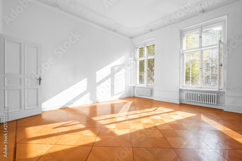 Fototapeta empty room in beautiful flat with wooden  floor - real estate interior obraz