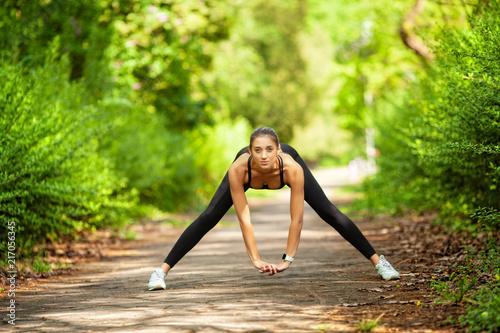 Fitness. Athlete girl, thle...