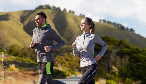 Fototapeta sport fitness-sportowa-wyprawa-w-gory