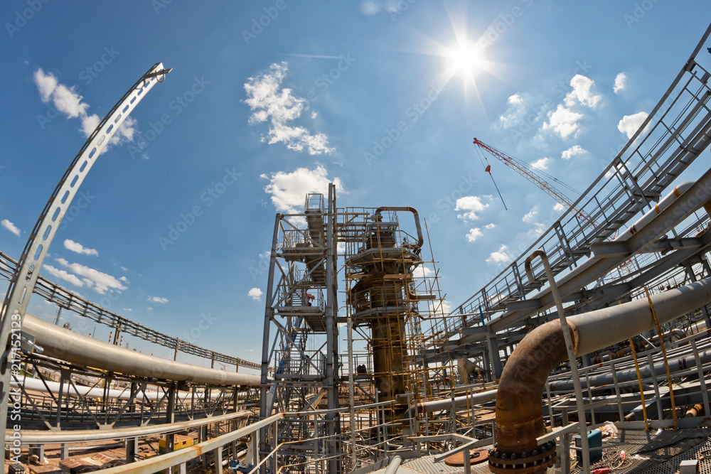 Fototapety, obrazy: View of the new construction of the refinery complex