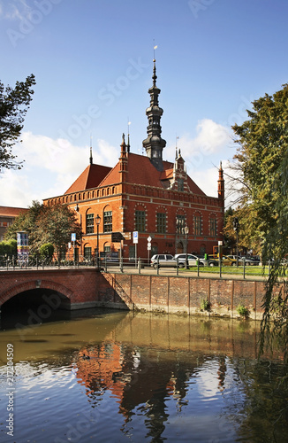 old-town-hall-in-gdansk-poland