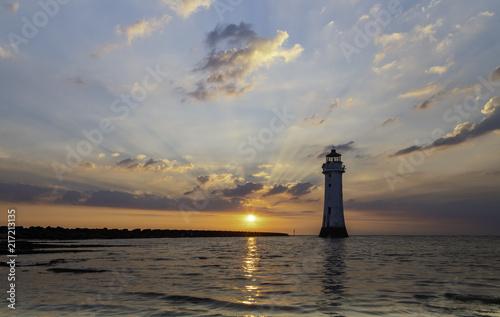 latarnia-morska-o-zachodzie