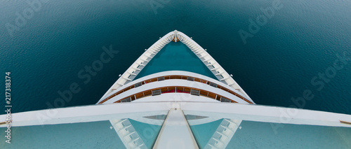 Cruise ship bow from above and symmetrical Fototapete
