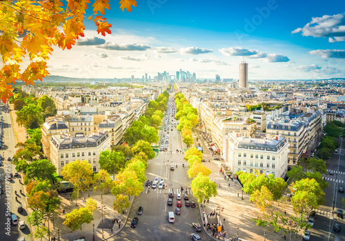 Papiers peints Con. ancienne panoramic skyline of Paris city towards La Defense district from above at fall day, France