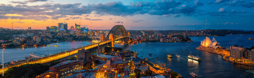 Fototapeta Panorama of Sydney harbour and bridge in Sydney city