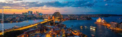 Canvas Print Panorama of Sydney harbour and bridge in Sydney city