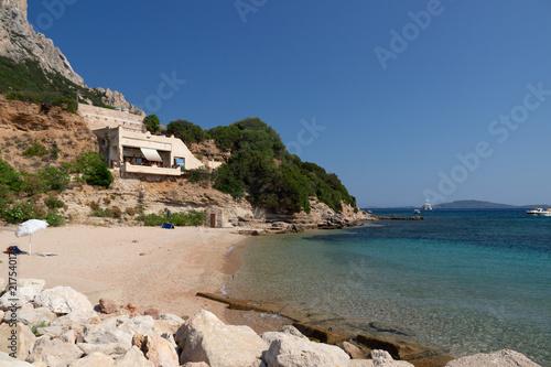 Fotografie, Obraz  Casa nell'isola di Tavolara, Sardegna, Italia